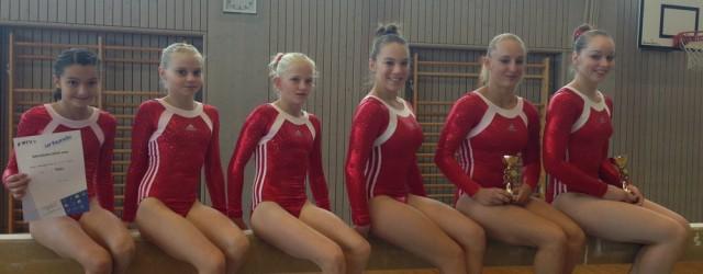Das Senior Team mit Alessa Wirth , Lisa Dauth und...