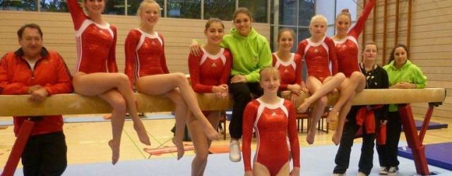 Die Nachwuchsturnerinnen Ingrid Holzer, Jana Hager und Carola Tutsch durften...